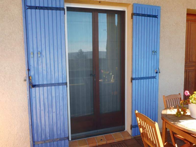 moustiquaire plissée adaptée aux fenêtres et aux portes jusqu'à L 2450 mm