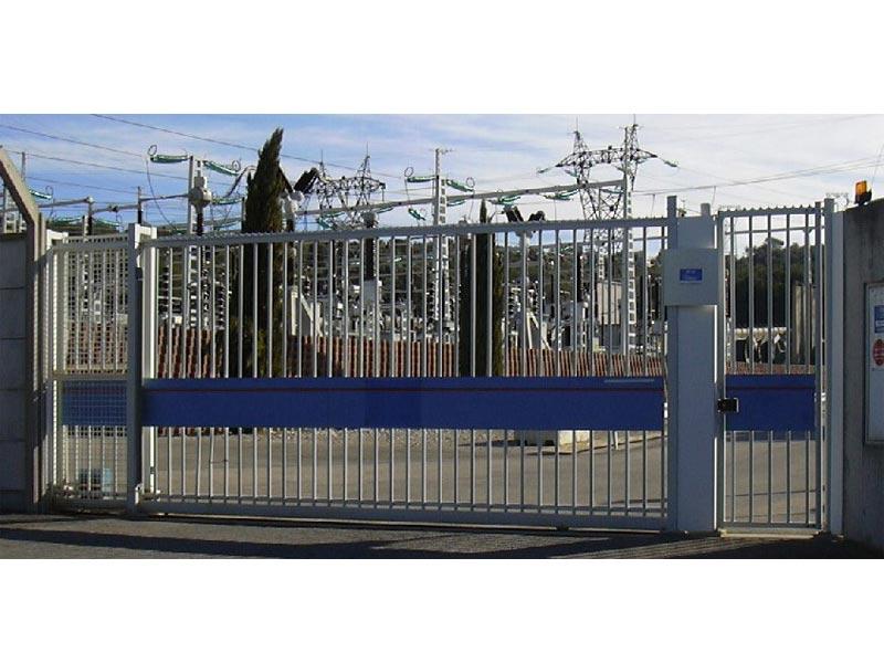 Portail automatique de l'usine EDF de Roquerousse
