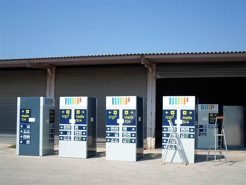 Réalisation de totems signalétique pour les abords de l'Aéroport Marseille Provence